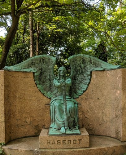 Lake View Cemetery Weeping Angel